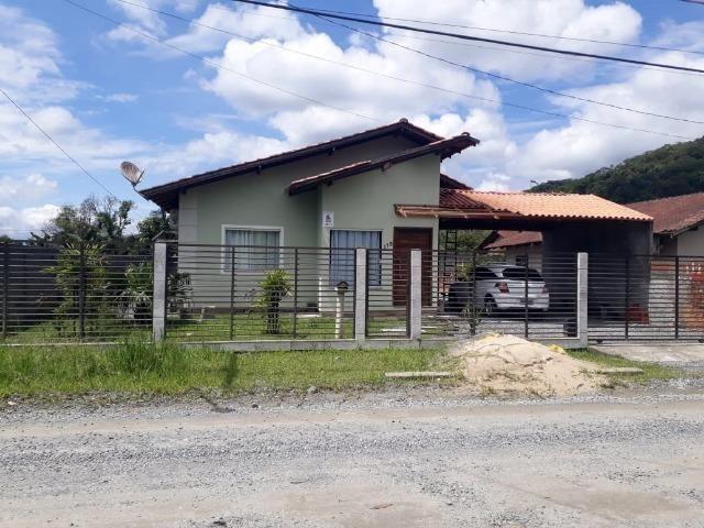 Belíssima casa á venda no Rio Bonito