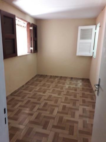 Alugo casa no Álvaro Weyne com 03 quartos - Foto 4
