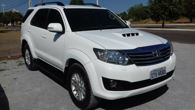 HILUX SW4 7 lugares - Foto 3