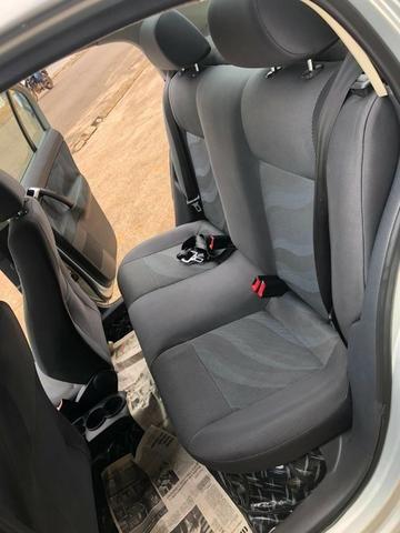 Volkswagen - Polo Sedan 1.6 - 2012 - Foto 9