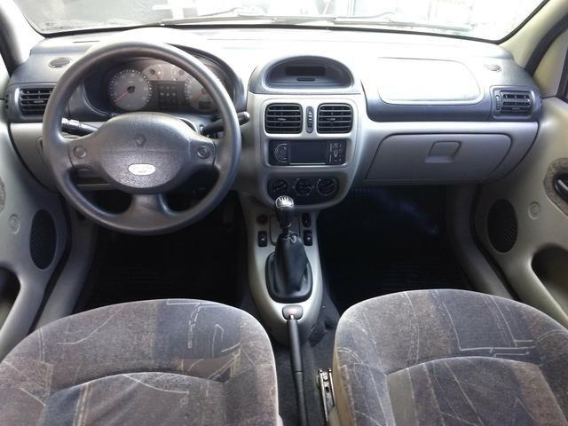 Clio sedan Privilege 1.0 completo ano 2005 - Foto 7