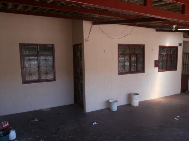 Lote vazado com 2 Casas na QNN 10 Próximo ao Metrô - Foto 2