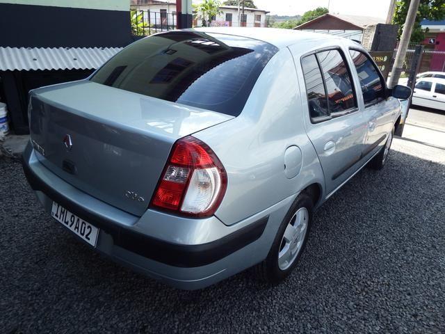 Clio sedan Privilege 1.0 completo ano 2005 - Foto 4