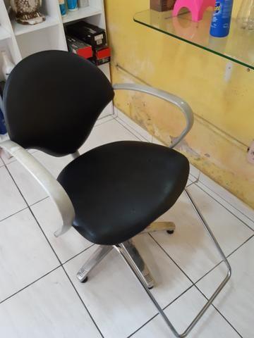 Lavatório e cadeira - Foto 2