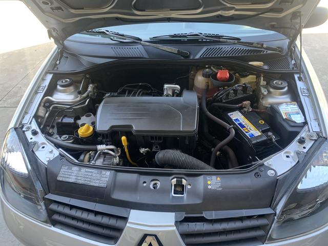 Renault CLIO 1.0 campus 2010/11 - Foto 8