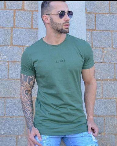 4 camisetas básicas