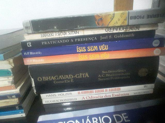 Livros usados/ Estante esotérica. - Foto 2
