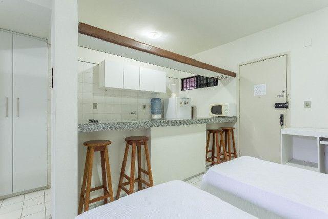 Flat 305 tipo studio, hospeda 03 pessoas, sendo uma cama de casal mais 01 cama de solteiro - Foto 8