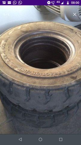 Vendo pneus usados empilhadeira - Foto 2