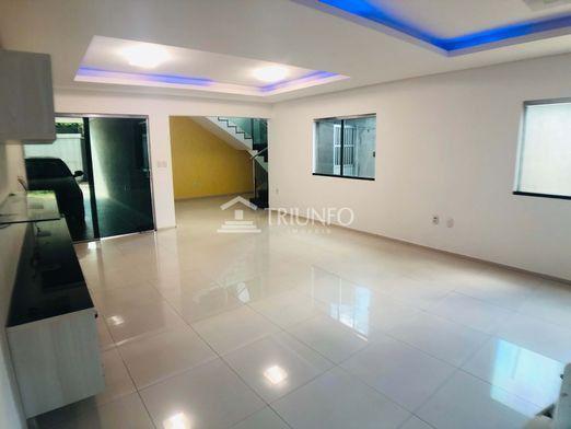 114 Casa com 03 quartos no Centro pronta p/morar, Aproveite! (TR46656) MKT