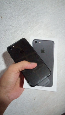 Vendo iPhone 7 de 32 gigas