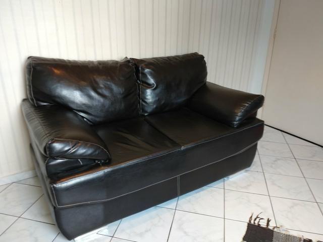 conjunto de sofá de couro preto p vender hj móveis itanhaém são