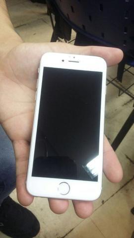IPhone 5 prata 16 gb com botão home estragado mais é barato pra arrumar