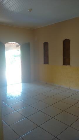 Casa no Tancredo Neves, toda murada
