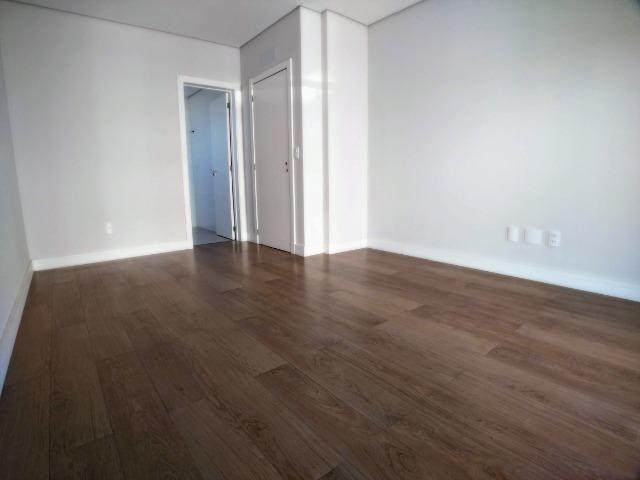 Apartamento no Centro em Itajaí. 3 Suítes, 147M², 2 Vagas de Garagem - Foto 12