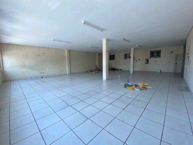 Imóvel comercial em Olinda composto dois amplos salões e 6 salas em avenida principal - Foto 7