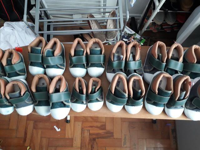 Vendo lotes de sapatos infantis