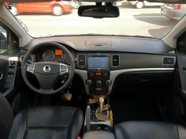 Korando 2.0 diesel aut 4x4 com teto - Foto 10