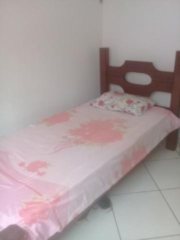 Alugo quarto mobiliado para homens - Foto 6