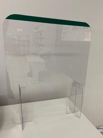 Barreira de proteção transparente