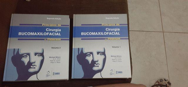 Livro BucomaxiloFacial Peterson - 2 Unidades