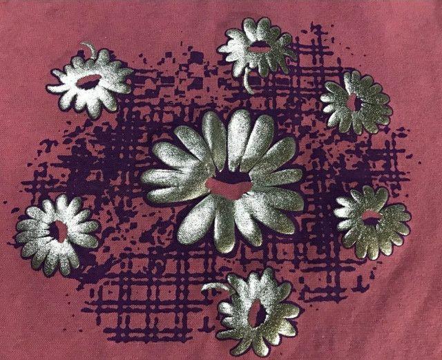Camiseta de malha feminina canelada com estampa de flor - Foto 3