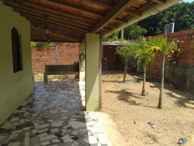 Bela casa na Estrada do Coco, atrás do Outlet Premium - Foto 3