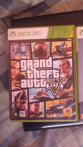 Vendo Xbox 360 + 2 jogos  - Foto 3