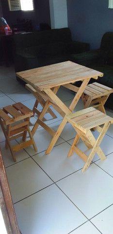 Mesa de pallet com banquinho dobrável  - Foto 2