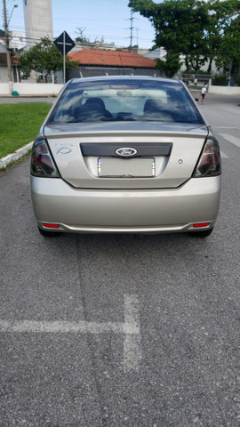 Ford Fiesta Sedan 1.0 2011 Completo - Foto 2