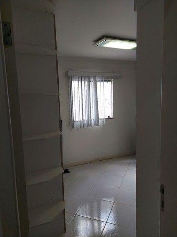 Apartamento mobiliado 2/4 com suíte 3° andar - Foto 4