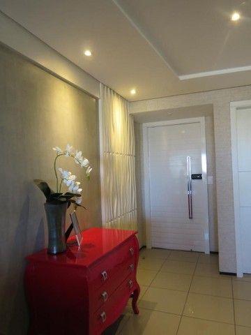 Apartamento três suítes, projetado, andar privilegiado! - Foto 15