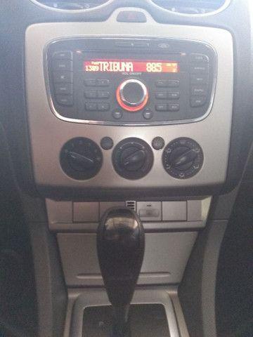 Focus sedan automático 2011 - Foto 9