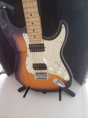 Guitarra  e amplificador fender - Foto 5