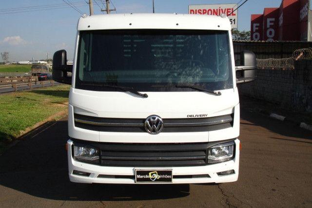 Volkswagen Express Prime Ano 2021 Carroceria de Madeira - Foto 2