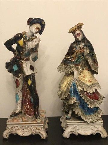 Estatuetas em porcelana Pierrot e Colombina Italiana