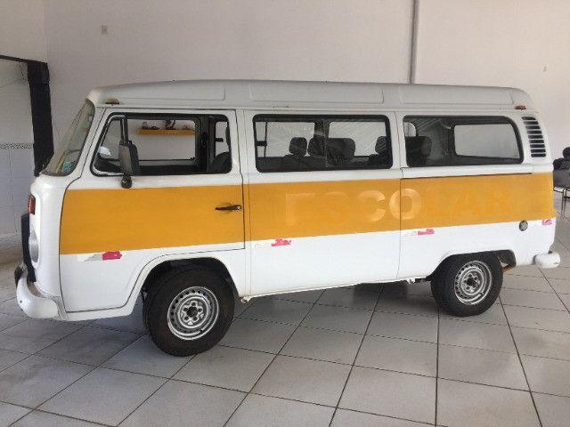 VW Kombi 2007 - 15 lugares
