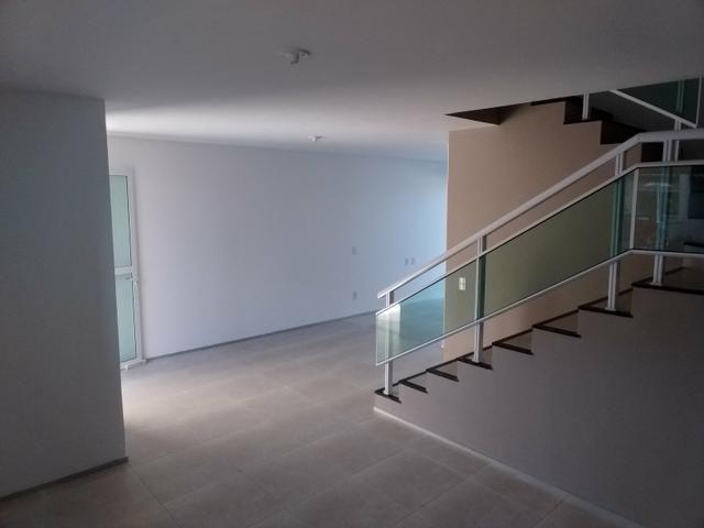 Linda casa em condomínio com ótima localização - Foto 8