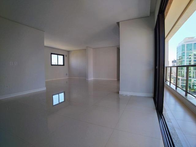 Apartamento no Centro em Itajaí. 3 Suítes, 147M², 2 Vagas de Garagem - Foto 6
