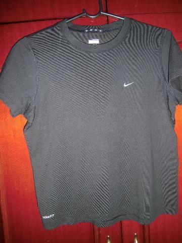 Camiseta Nike Fit