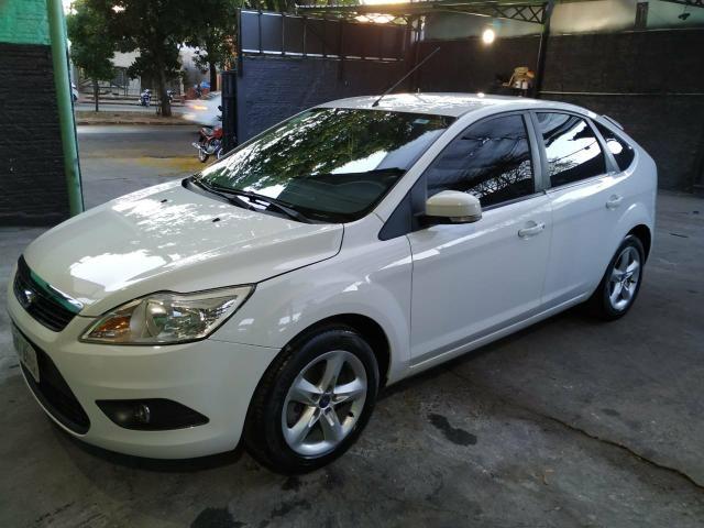 Ford focus hatch 1.6 glx 2013 35.000 r$