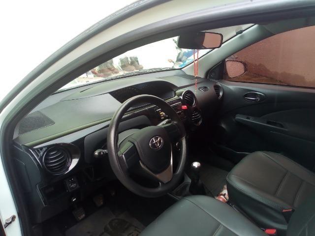 Vendo: veículo Toyota - Foto 4