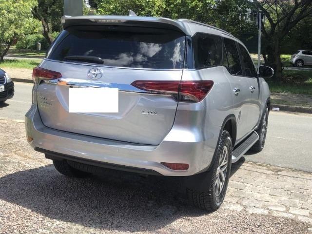 Toyota hilux sw4 srx 4x4 2.8 tdi 16v diesel aut 07 lugares ano 2018/19 - Foto 5