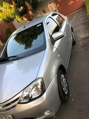 Vendo Etios Sedan XS completo