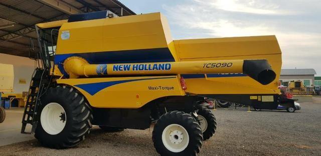 Colheitadeira New Holland TC 5090 ano 2014/ completa , 2.025h  4 pagamentos  .