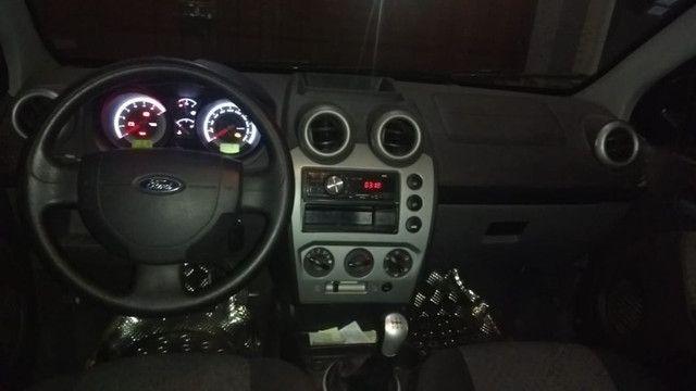 Vende-se Ford Fiesta Rocam - Foto 2