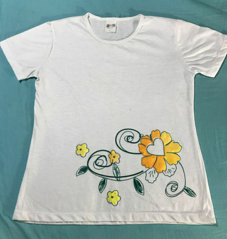 Blusa De Malha Feminina Com estampa de flores emborrachada