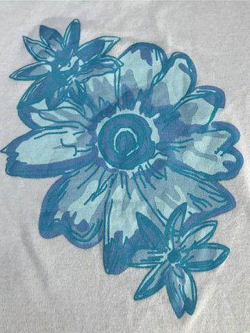 Blusa De Malha Feminina Com estampa de flores  - Foto 3