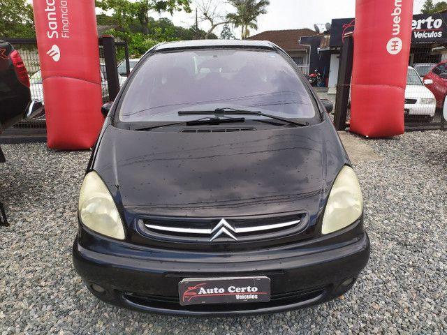 Citroën Xsara Picasso 2.0 Exclusive 2005<br>Automática - Foto 2