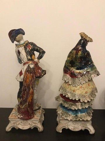 Estatuetas em porcelana Pierrot e Colombina Italiana - Foto 5